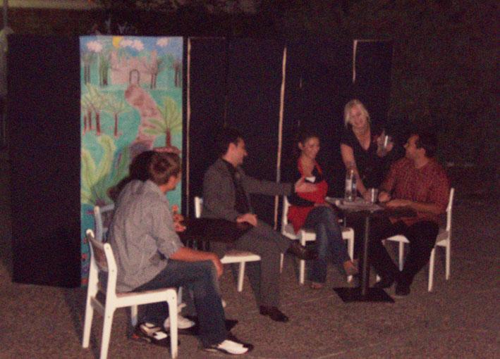 Gledate fotografije iz članka: Izvedena predstava 'Cvjećar i umjetnik'